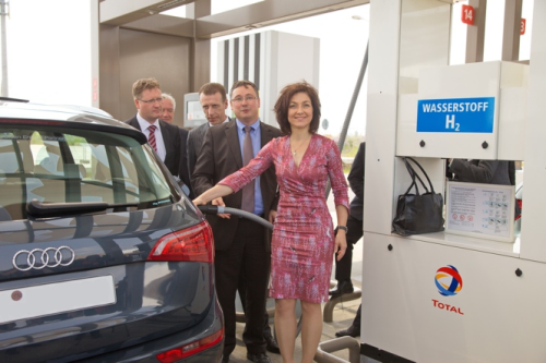Green Hydrogen Facility Opens At Berlin Airport With